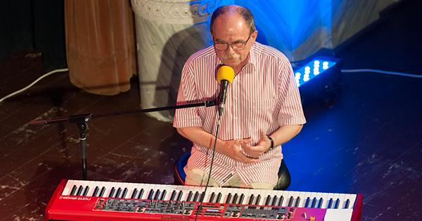 Jaroslav Uhlíř s kapelou