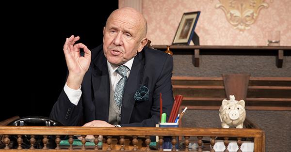 Petr Nárožný v představení Co takhle ke zpovědi
