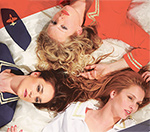 Tři letušky v posteli