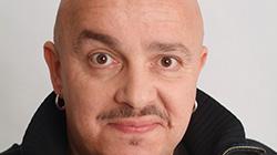Zdeněk Izer na plný coole! 12.6.2018 v pražském divadle Gong