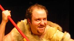 One man show Caveman 6.8.2019 na Letní scéně Harfa