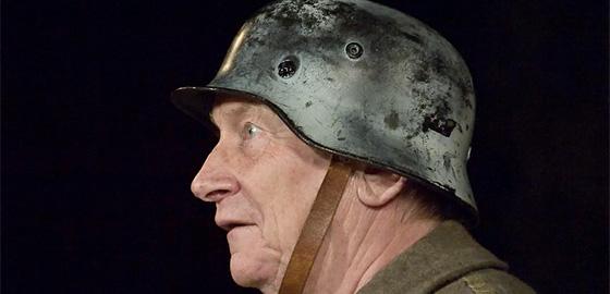 Josef Dvořák v představení S Pydlou v zádech
