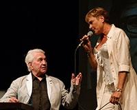 Návštěvní den u Miloslava Šimka nehrajeme jen v Semaforu. Tentokrát jsme hráli pod širým nebem v rámci divadelní přehlídky Letní scéna Harfa. Foto: © Petr Sankot
