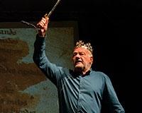 Luděk Sobota jako Cid na Letní scéně Harfa. Foto: © Petr Sankot