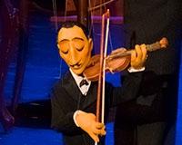 ... a předvedl jedno ze svých skvělých čísel s houslistou. Foto: © Petr Sankot