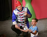 Libor Jeník a Fabián Šetlík v představení Princové jsou na draka. Foto: Petr Sankot