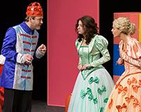 Rostislav Trtík, Kristýna Žďánská, Dominika Býmová a Lucie Karbanová v představení Princové jsou na draka. Foto: Petr Sankot