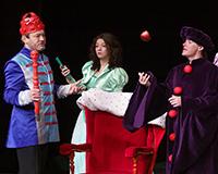 Rostislav Trtík, Kristýna Žďánská, Kryštof Nohýnek, Lucie Karbanová a Dominika Býmová v představení Princové jsou na draka. Foto: Petr Sankot