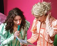 Lucie Karbanová, Kristýna Žďánská a Dominika Býmová v představení Princové jsou na draka. Foto: Petr Sankot