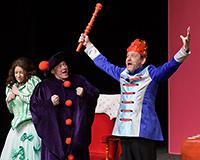 Lucie Karbanová, Kristýna Žďánská, Kryštof Nohýnek, Rostislav Trtík a Dominika Býmová v představení Princové jsou na draka. Foto: Petr Sankot