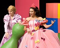 Kristýna Žďánská, Lucie Karbanová, Eliška Jansová a Dominika Býmová v představení Princové jsou na draka. Foto: Petr Sankot