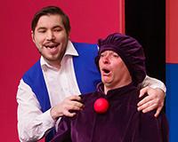 Radek Fejt a Kryštof Nohýnek v představení Princové jsou na draka. Foto: Petr Sankot
