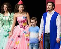 Děkovačka představení Princové jsou na draka. Foto: Petr Sankot