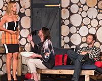 Barbora Mottlová, Leoš Noha a Lukáš Langmajer v komedii A do pyžam! Foto: Petr Sankot