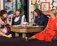 Eva Decastelo, Lukáš Langmajer, Leoš Noha a Lucie Zedníčková v komedii A do pyžam! Foto: Petr Sankot