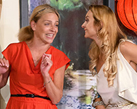 Lucie Zedníčková a Barbora Mottlová v komedii A do pyžam! Foto: Petr Sankot