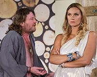 Leoš Noha a Barbora Mottlová v komedii A do pyžam! Foto: Petr Sankot